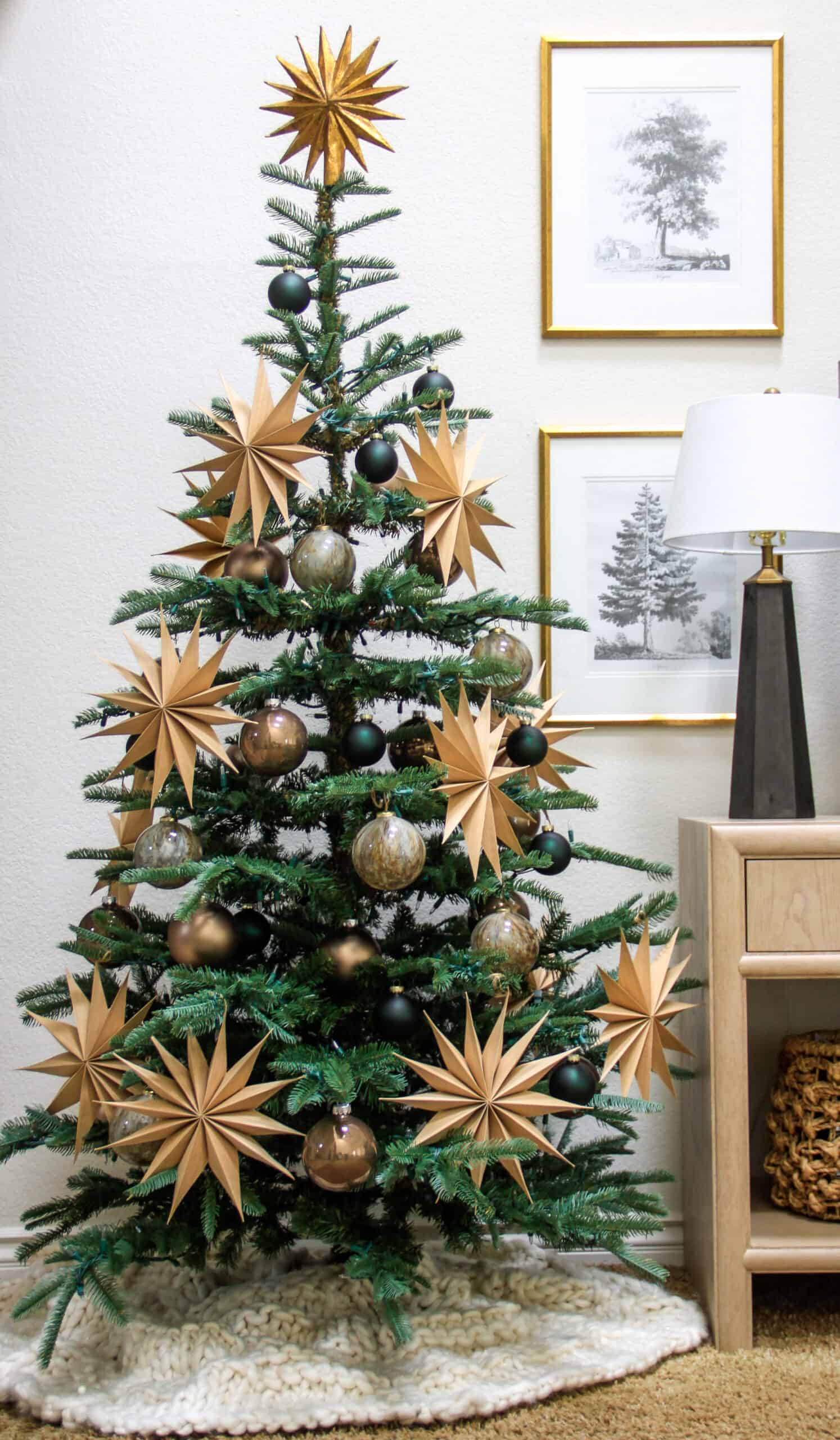 Christmas tree with paper stars