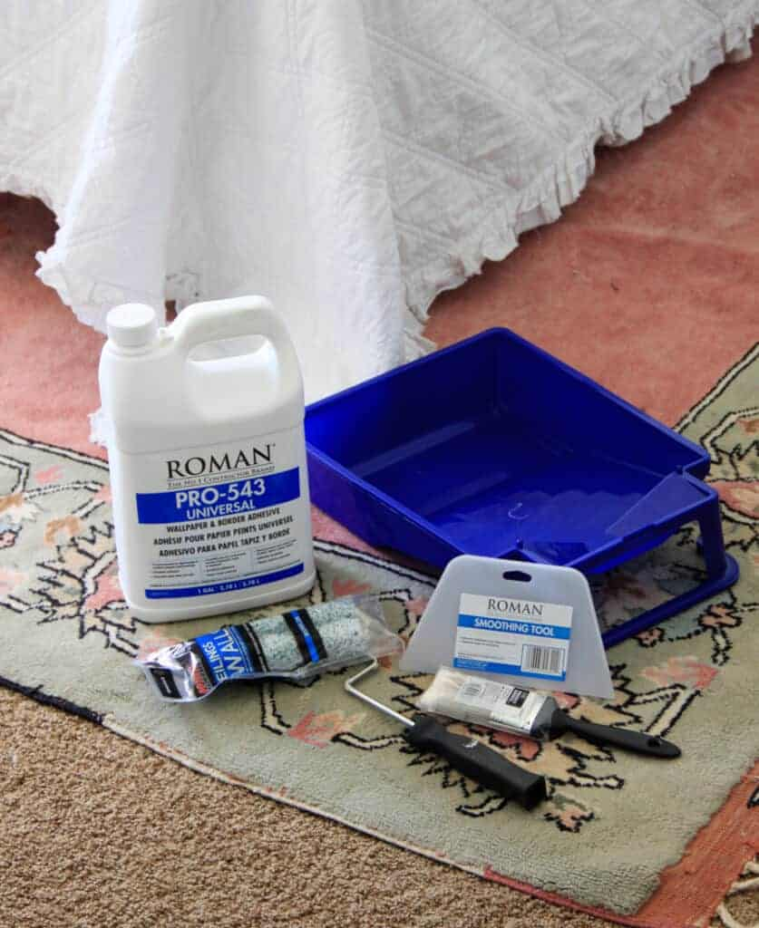 supplies for wallpapering