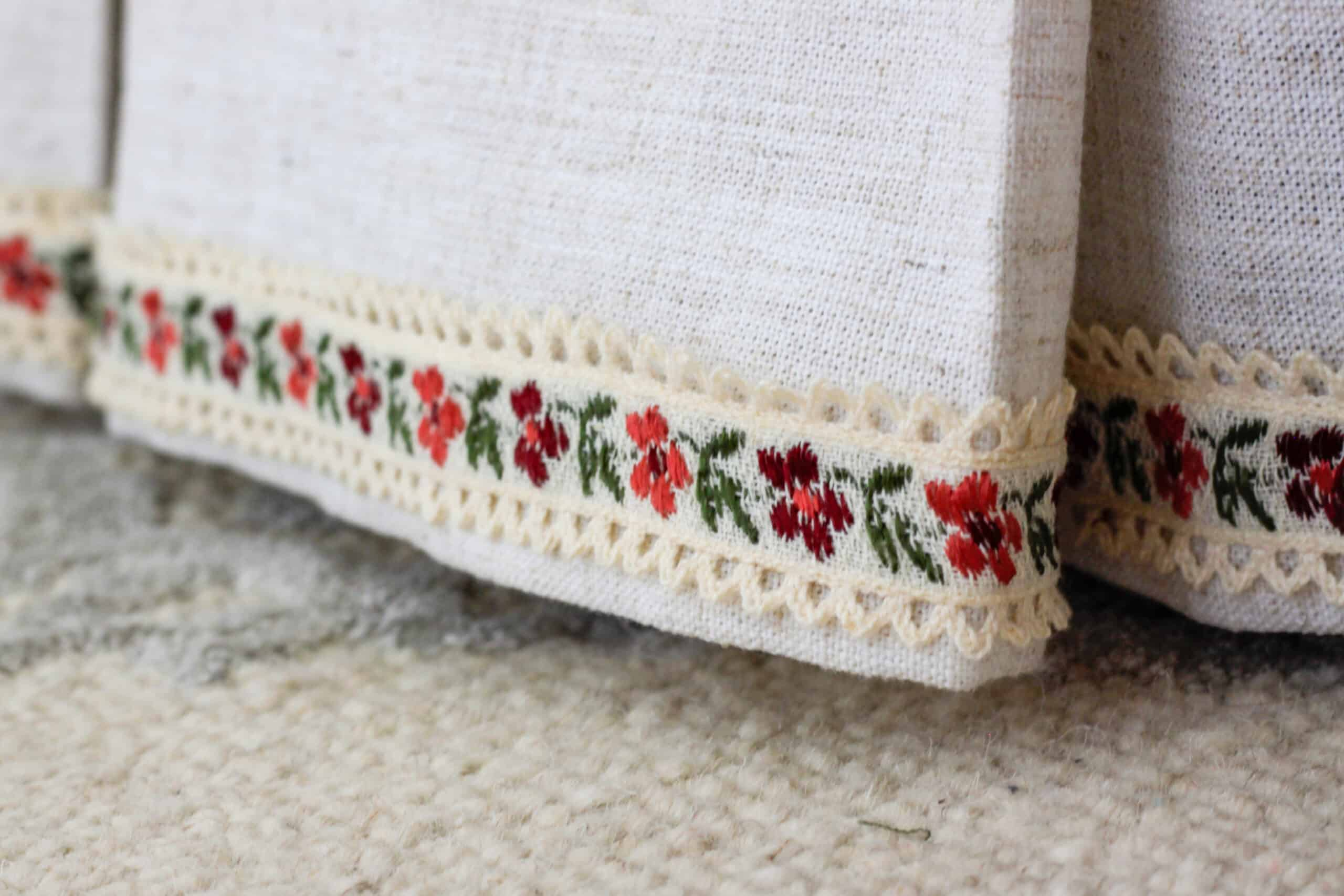 english cottage style bed skirt with trim